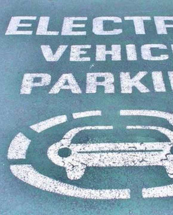 Solar-powered car parks to drive electric vehicle growth